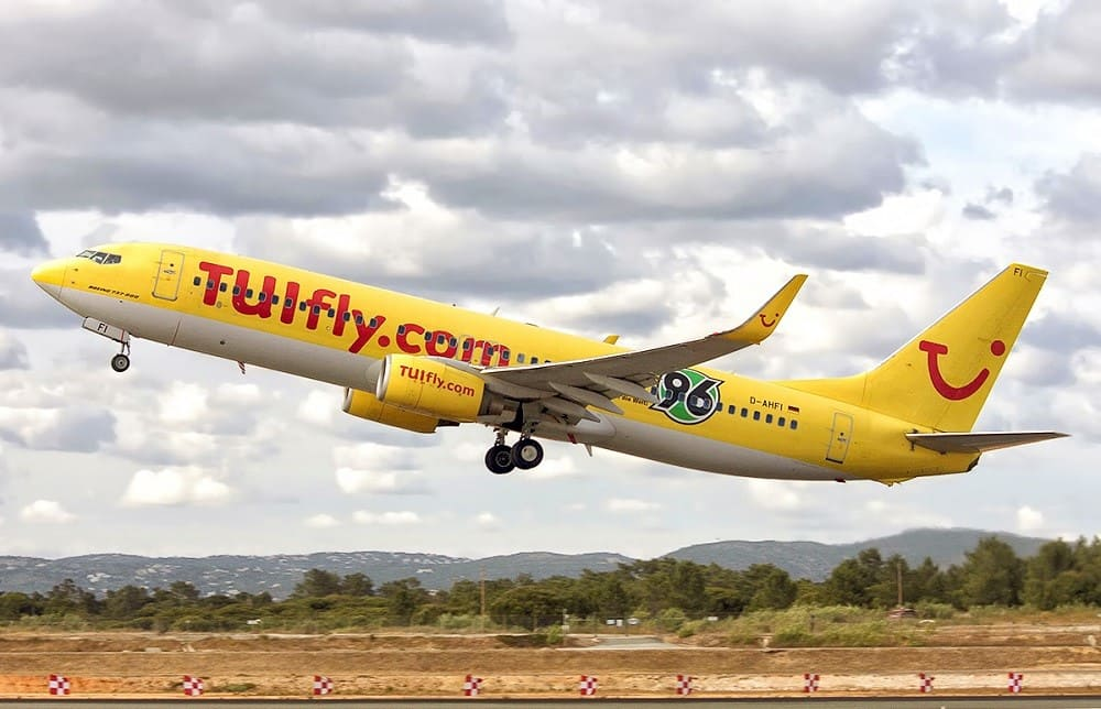 Самолет авиакомпании TUI fly